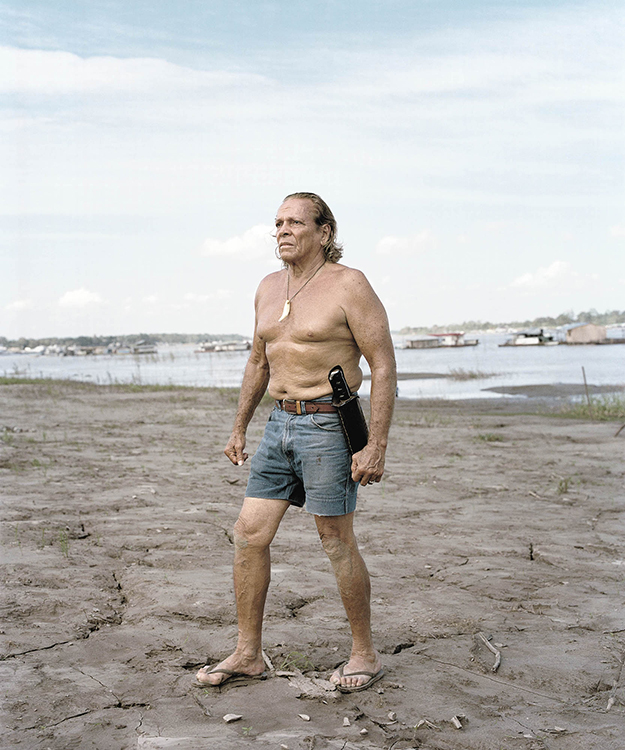 Alberto Lesmes Rojas, is considered the Tarzán of Colombia. He became famous when in 1976, at the age of 28, he swam the length of the Magdalena river - some 1700 kilometers- in order to draw attention to the importance of keeping the rivers of Colombia clean.He started life in a small town, Puerto Leguizamo, in the department of Putumayo. At the age of 8, his father abandoned the family. As a result, he was left without the means to go to school.Lonely and bored, he then spent many hours watching black and white Tarzan movies at the local movie theater. After watching the movies, he would go out into the jungles surrounding the city and practice the moves that he had seen on the big screen - earning the nickname -Tarzan of the Amazon.He now lives in Leticia and is hired by a luxury hotel to welcome the clients.